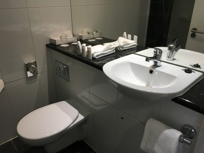 Park Inn Southend on Sea review bathroom