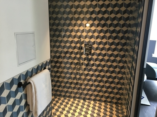 Kimpton De Witt Amsterdam review bathroom