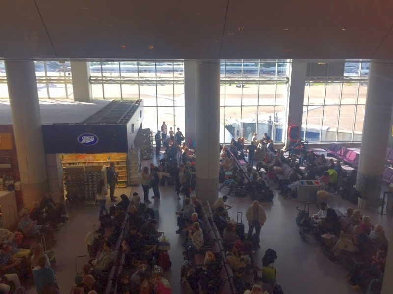 Review Escape Plus Lounge Manchester Airport Terminal 2