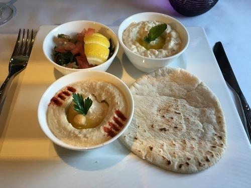 Qatar Airways Qsuite review food