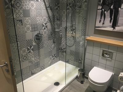Hilton Bournemouth suite bathroom
