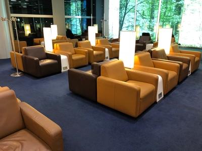 Lufthansa Senator lounge review Heathrow Terminal 2