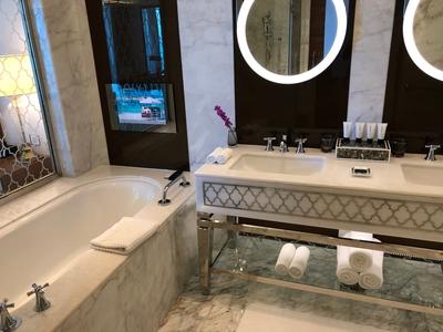 Waldorf Astoria Dubai bathroom