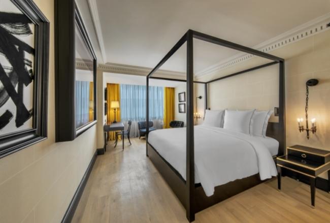 Hotel de Berri Paris open