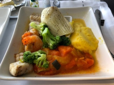 American Airlines business class Boeing 777-300 food review