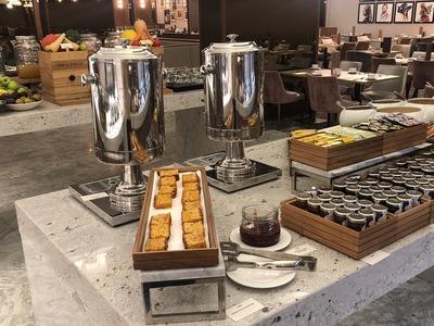 crowne plaza heathrow t4 breakfast buffet