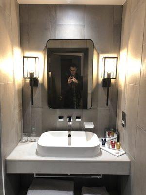 hotel indigo manchester bathroom