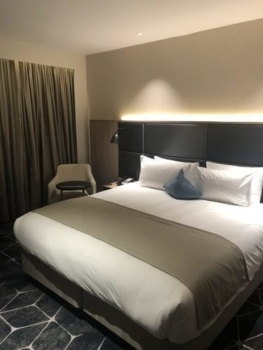 Crowne Plaza Manchester Oxcord Road Club King review