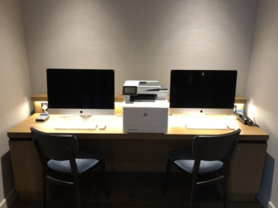 Crowne Plaza Manchester Oxford Road club lounge workstation review