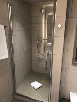 Staybridge Suites Manchester Oxford Road shower review
