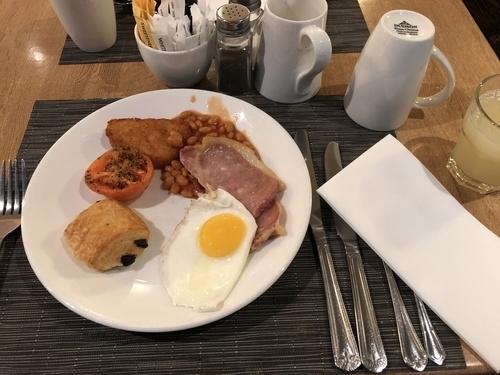 Hilton Gatwick South breakfast