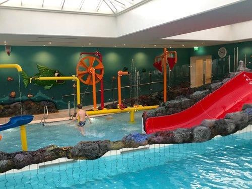 Four Seasons Hampshire childrens pool