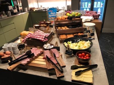 Staybridge Suites London Heathrow breakfast