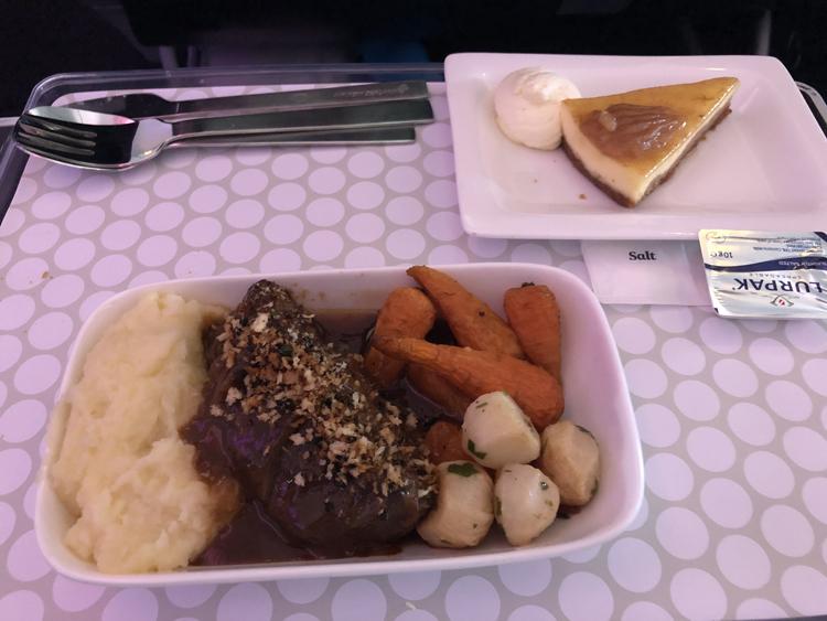 Air New Zealand premium econom main meal review