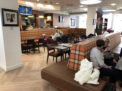 Upperdeck lounge at Glasgow Airport review