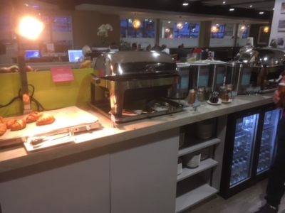 East Midlands Airport Escape Lounge buffet review