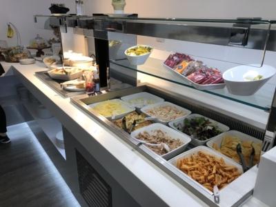 Leeds Bradford Airport White Rose Lounge food