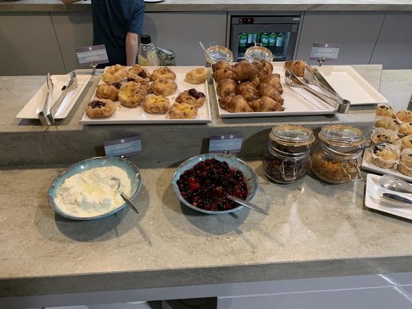 Manchester Terminal 2 Escape Lounge breakfast