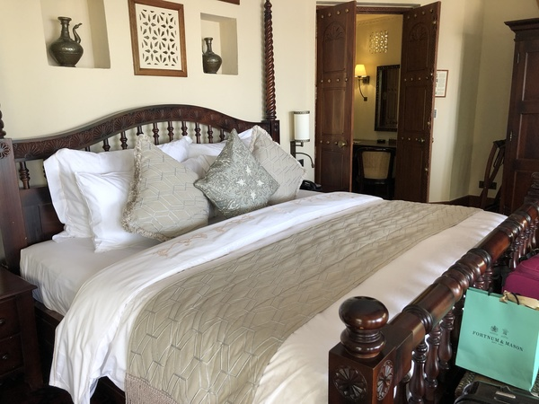 Marriott Al Maha Desert Resort Dubai bed