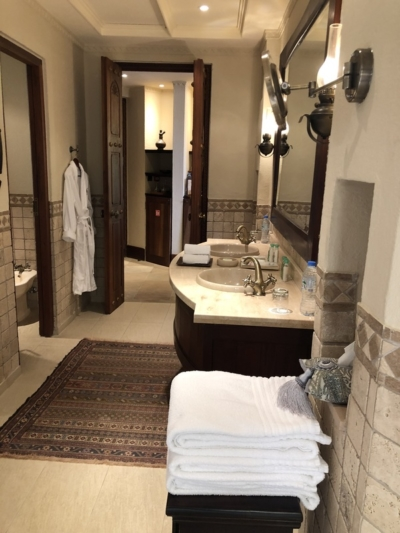 Marriott Al Maha Desert Resort Dubai bathroom