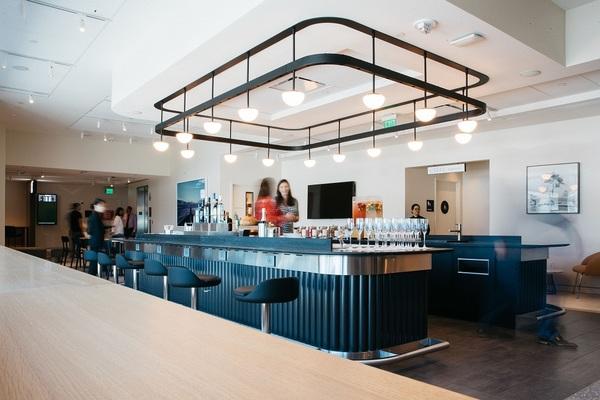 British Airways San Francisco Lounge bar
