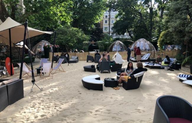Crowne Plaza Kensington secret beach