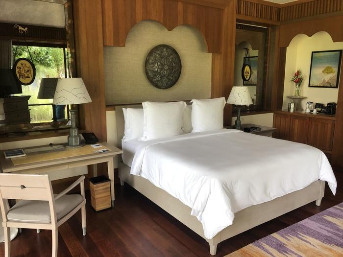 Four Seasons Langkawi review bed