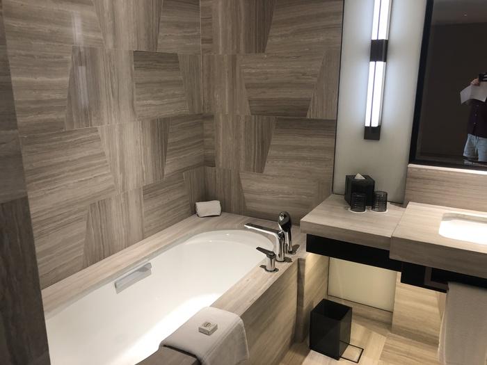 Four Seasons Kuala Lumpur review bath