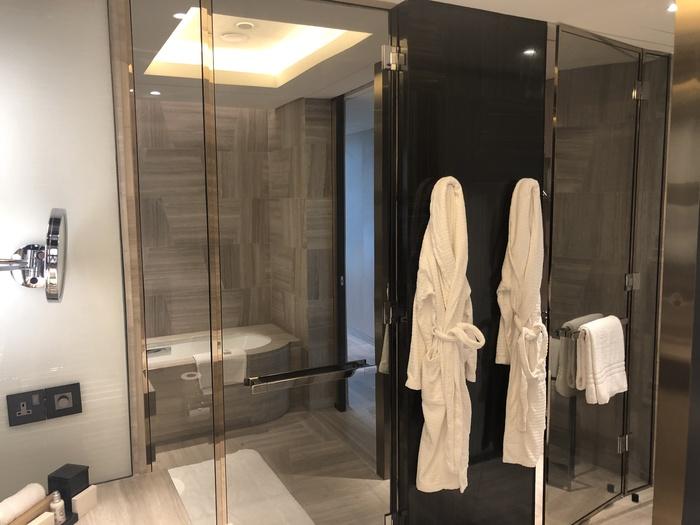 Four Seasons Kuala Lumpur review bathroom