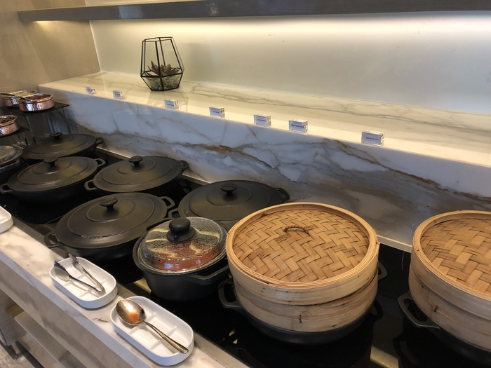 Four Seasons Kuala Lumpur executive lounge review hot food