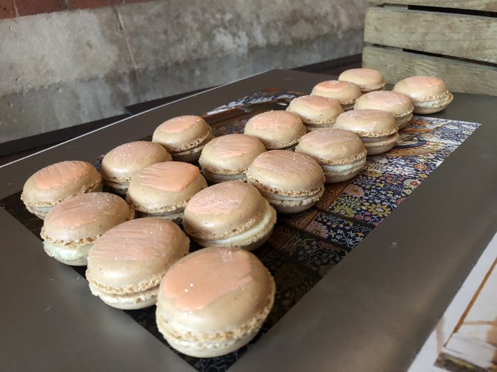 Head for Points summer party macaroons
