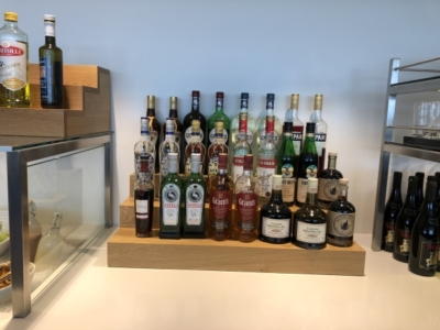 swiss business lounge zurich alcohol