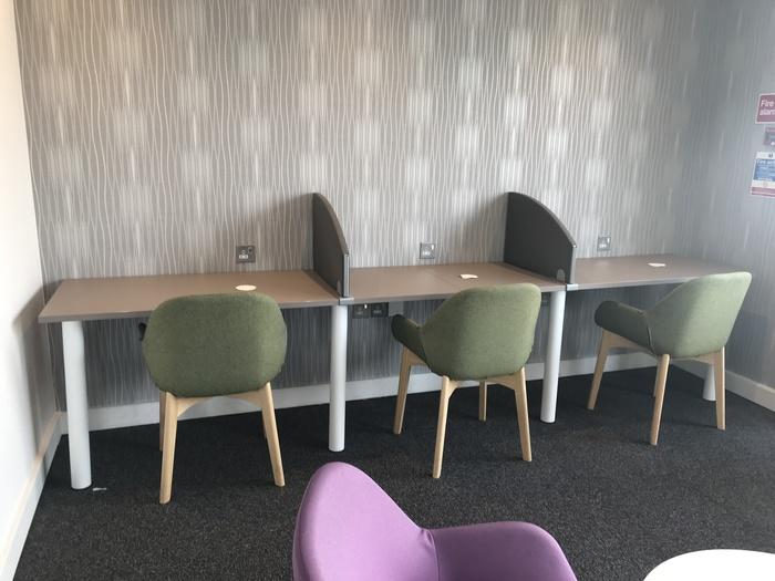 premium lounge teeside international airport desks