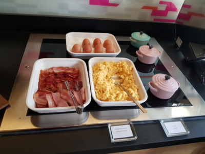 Aloft Madrid Gran Via hot buffet