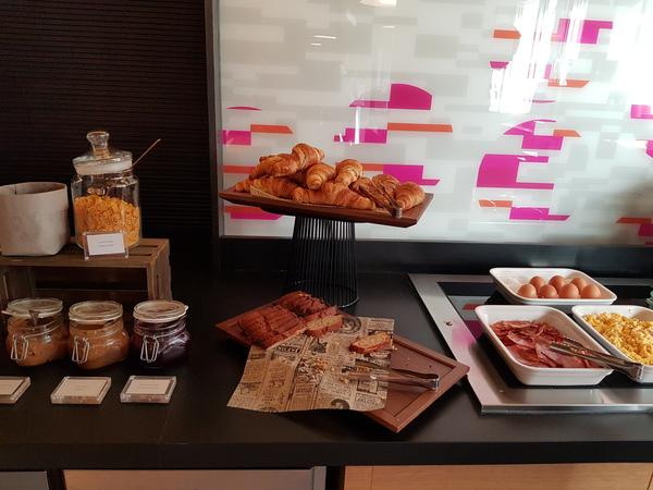 Aloft Madrid Gran Via pastries