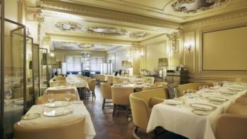 Hotel Cafe Royal domino room