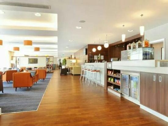 Hampton by Hilton Exeter Airport review