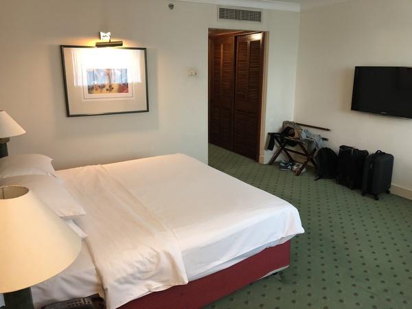 Hilton Hanoi Opera bed