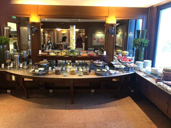 Hilton Hanoi Opera executive lounge buffet