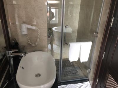 Paradise Cruises Halong Bay Paradise Elegance shower