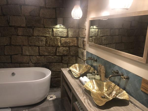 Sailing Club Mui Ne bathroom