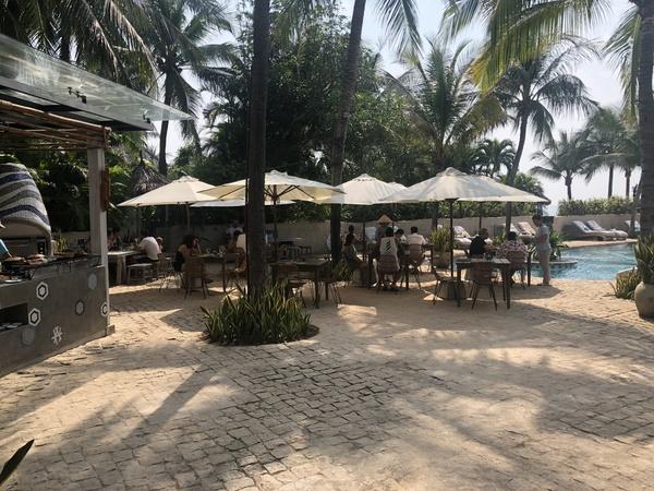 Sailing Club Mui Ne pool bar