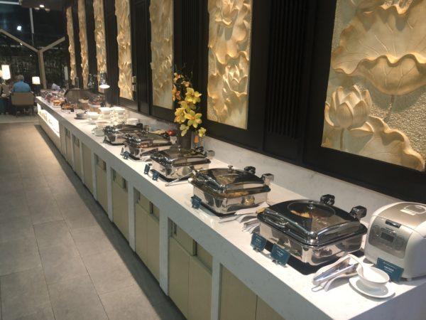 Vietnam Airlines Lotus Lounge hot buffet