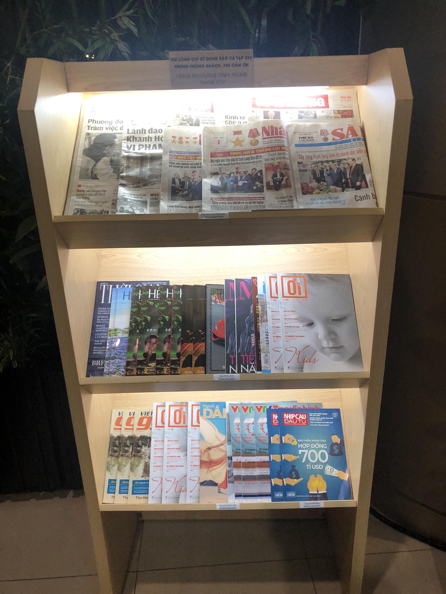 Vietnam Airlines Lotus Lounge newspapers