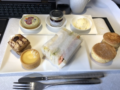 Qatar Airways qsuite business class breakfast review