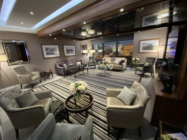 Signature Elite Class Luton suite