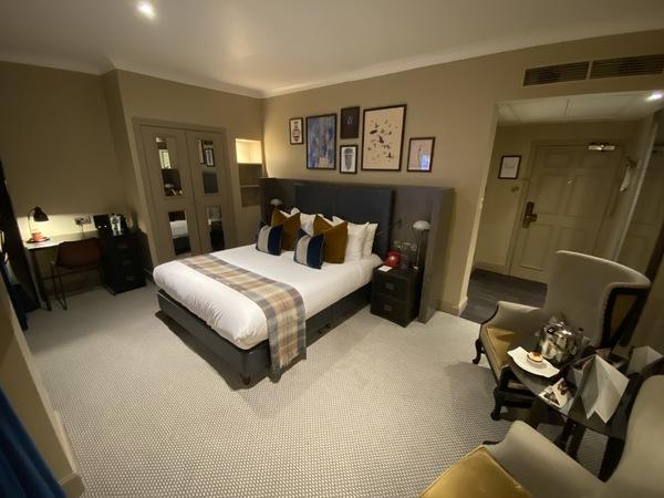 Kimpton Charlotte Square room