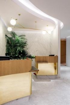 Qantas First Class lounge Singapore reception