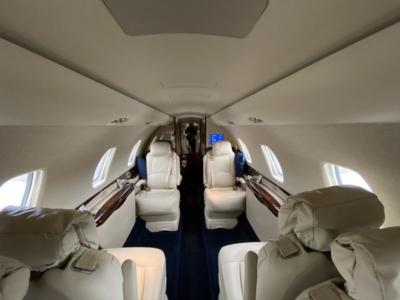Hahn Air interior