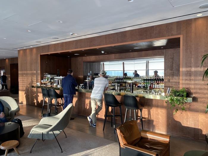 Cathay Pacific lounge Heathrow bar
